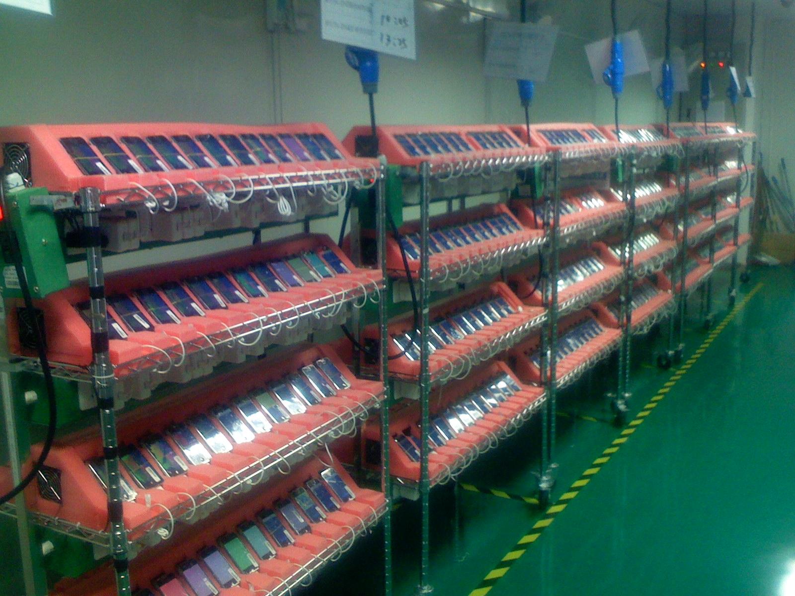 iPhone工厂的照片,2007年春季,猜猜这是几?