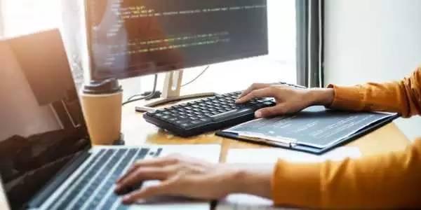 什么是软件?指导计算机执行所有操作的所有不同类型程序和应用程序的指南